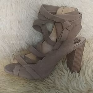Vince Camuto  tan leather heels 2sd 10 NWT